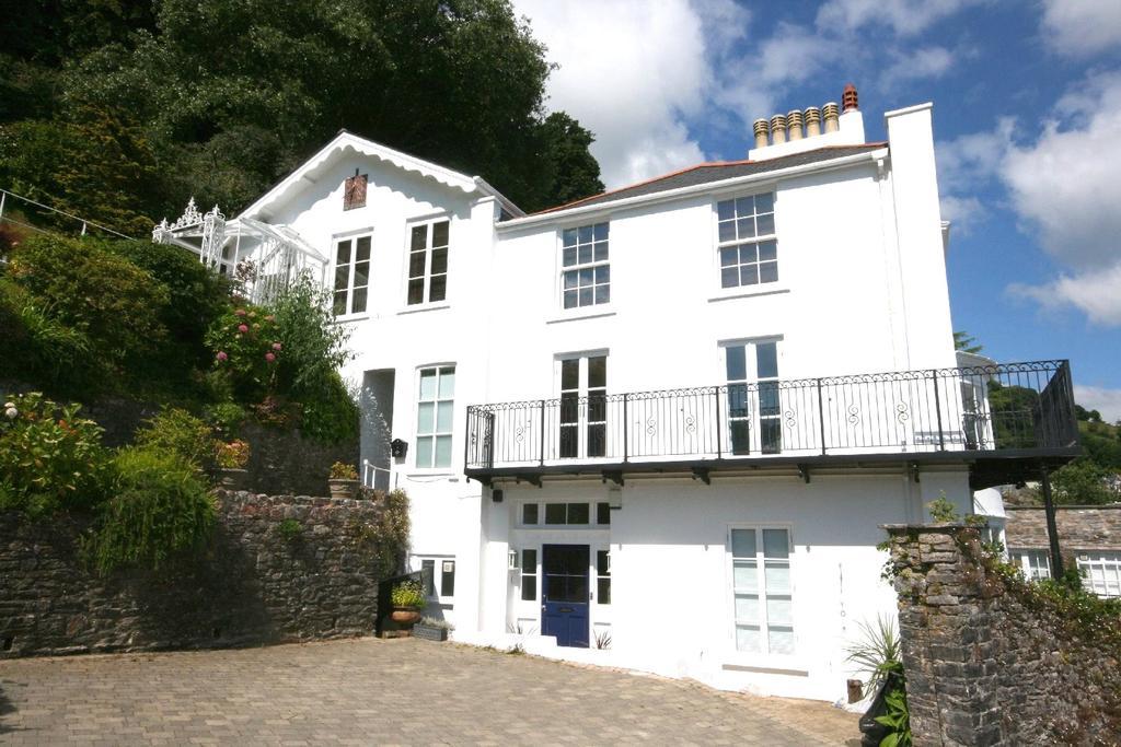3 Bedrooms Apartment Flat for sale in Stokecliff, Swannaton Road, Dartmouth, Devon, TQ6