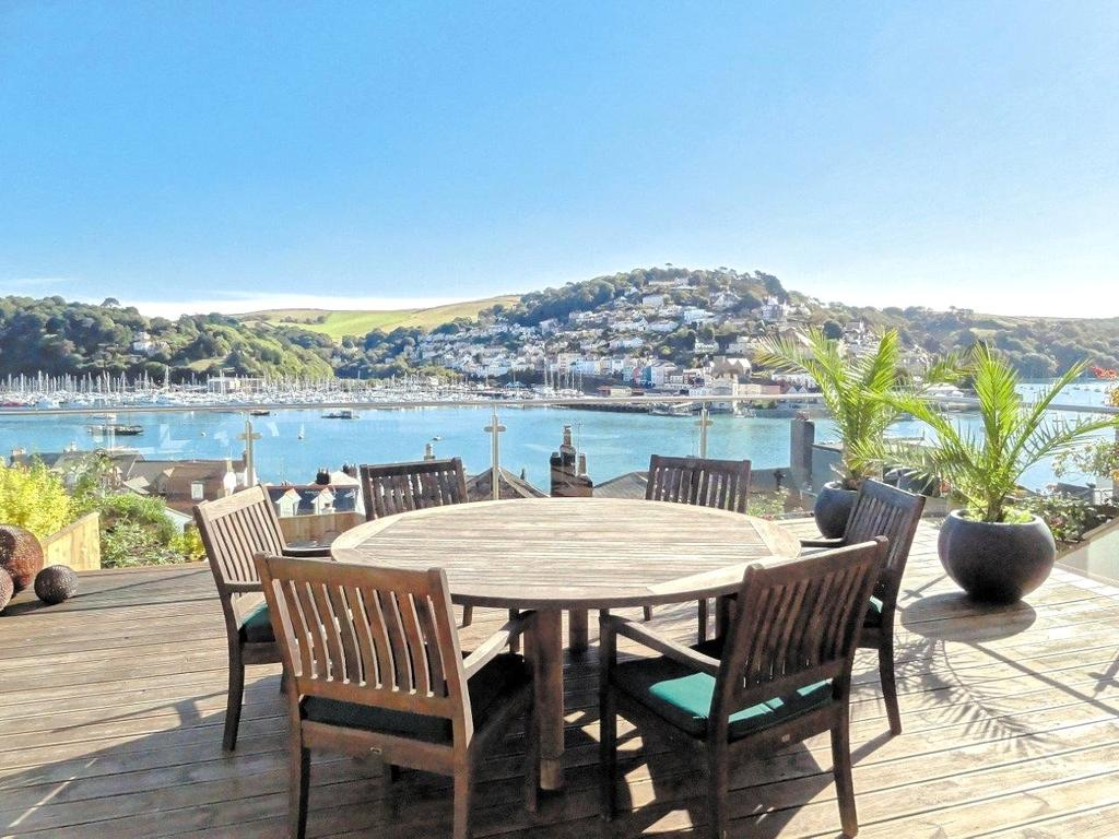 3 Bedrooms Semi Detached House for sale in Above Town, Dartmouth, TQ6