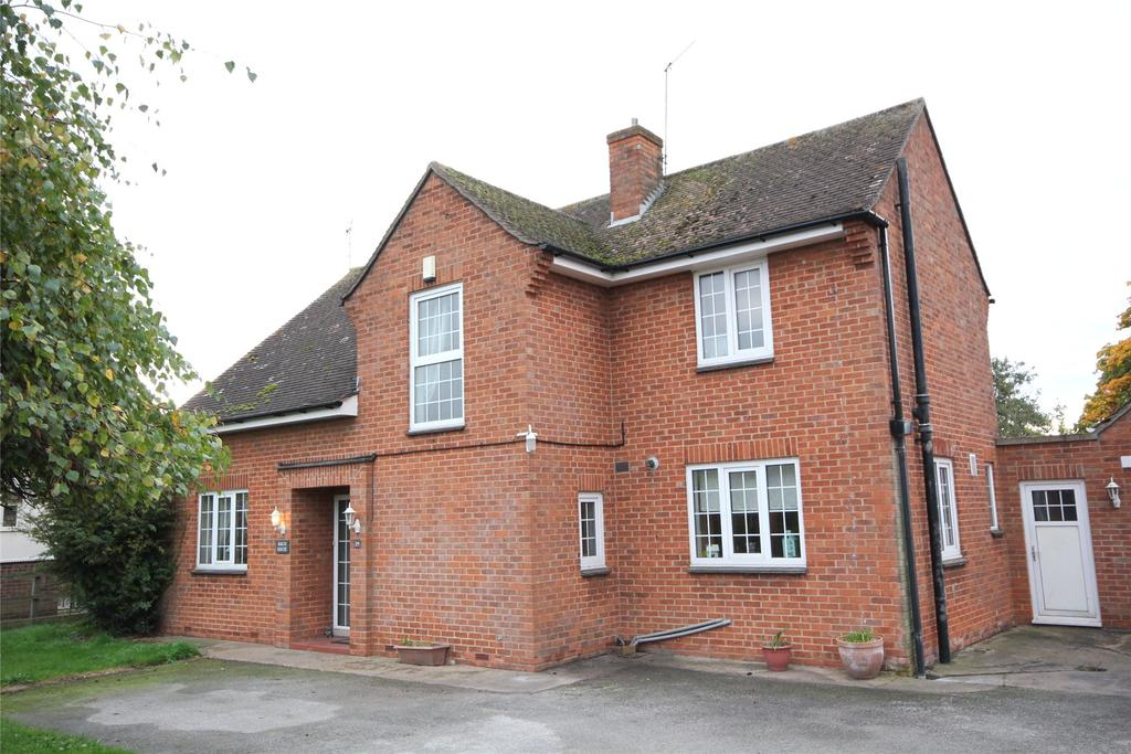 3 Bedrooms Detached House for sale in Lincoln Road, Ruskington, NG34