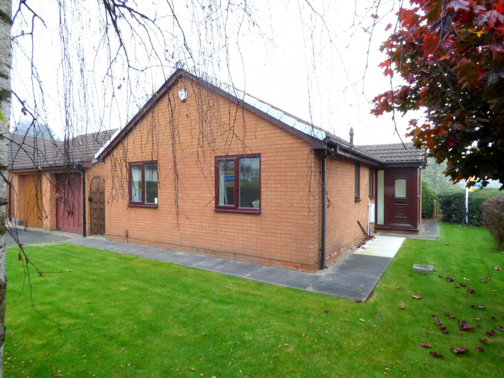 2 Bedrooms Detached Bungalow for sale in Greenway, Ingleby Barwick, Stockton-On-Tees, TS17