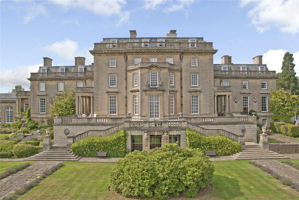 2 Bedrooms Flat for sale in The Mansion, Ottershaw Park, Chertsey, Surrey, KT16