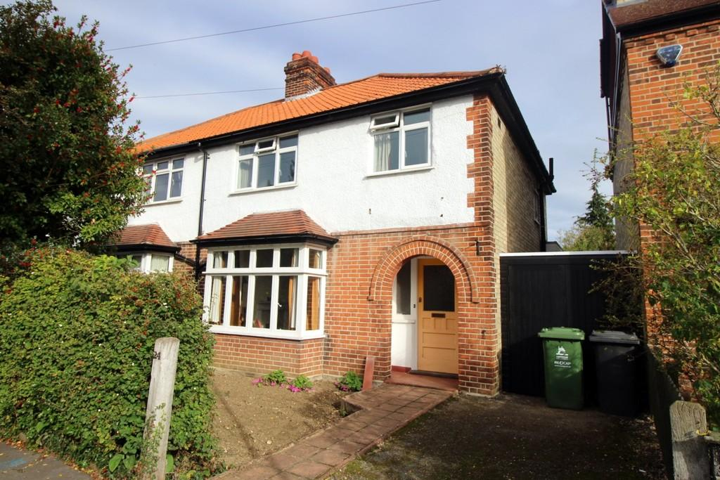 3 Bedrooms Semi Detached House for sale in Leys Avenue, Cambridge