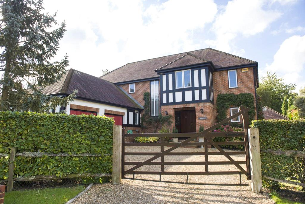 5 Bedrooms Detached House for sale in Queens Copse Lane, Holt, Wimborne, Dorset, BH21