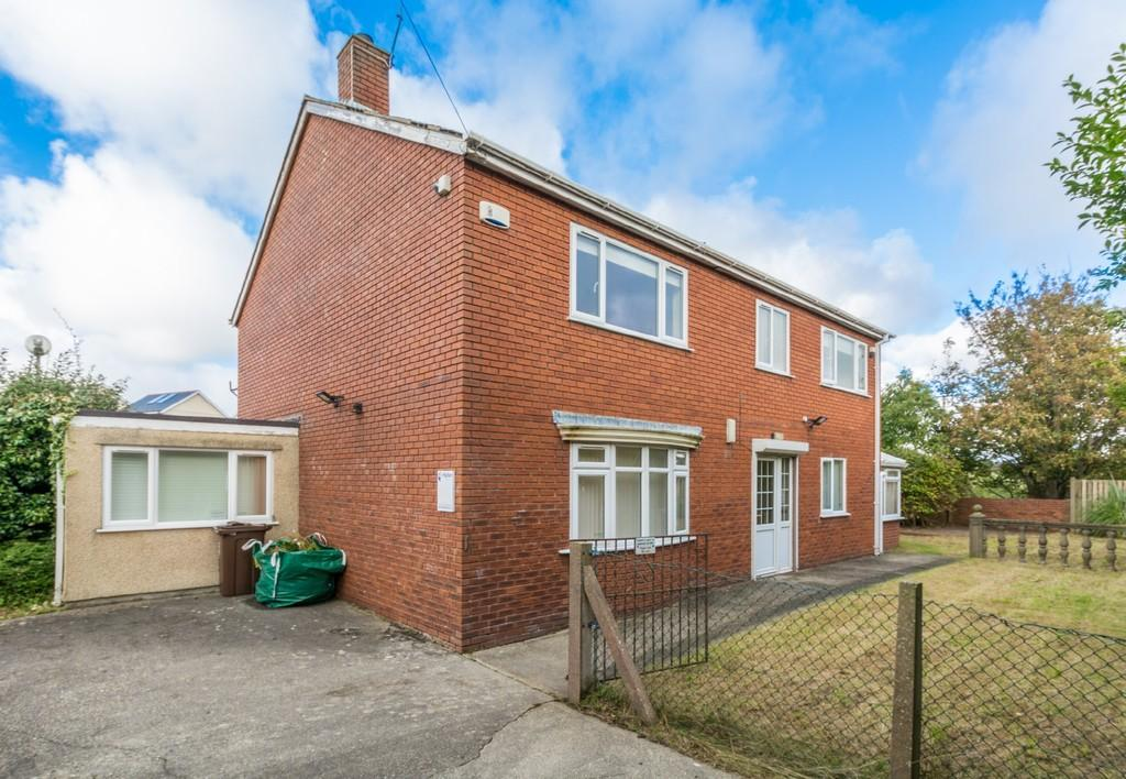 4 Bedrooms Detached House for sale in Maesincla, Caernarfon, North Wales
