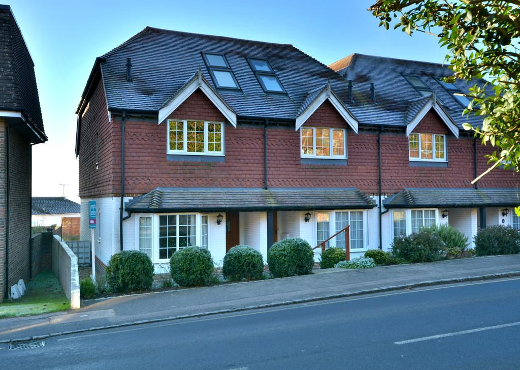 3 Bedrooms Town House for sale in Pulborough