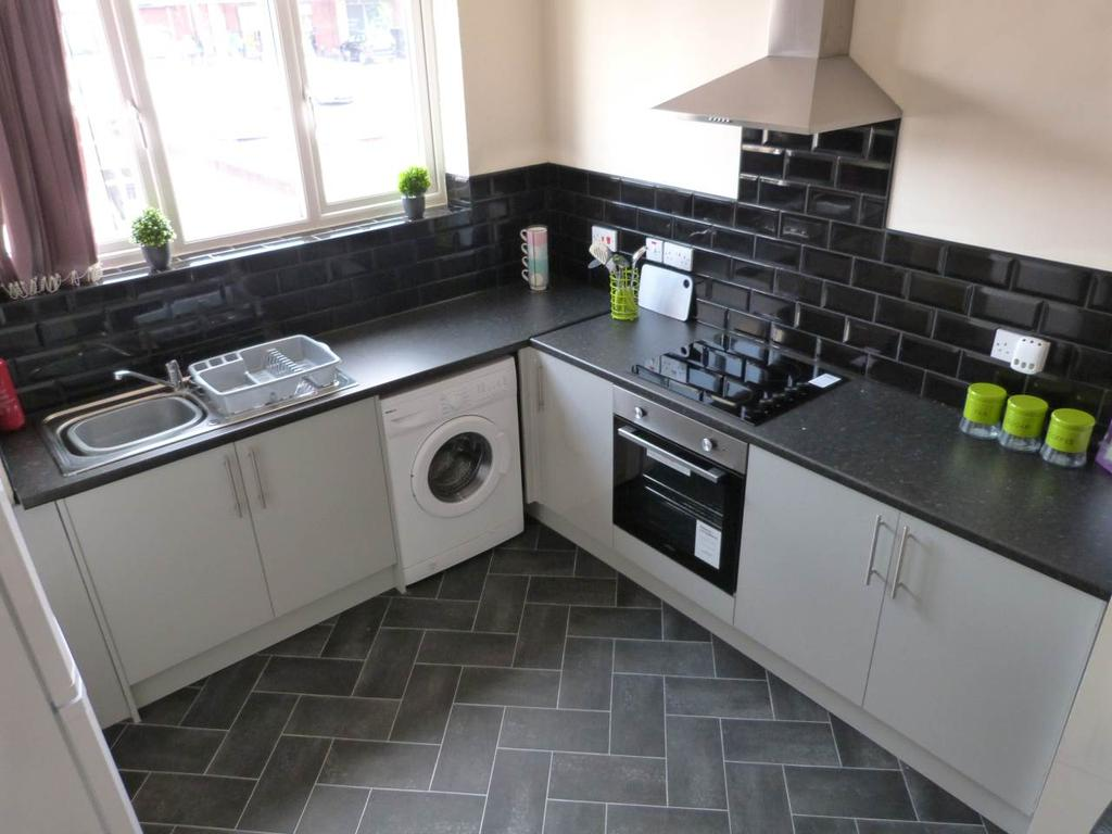 4 Bedrooms House Share for rent in Aughton Street, Ormskirk,