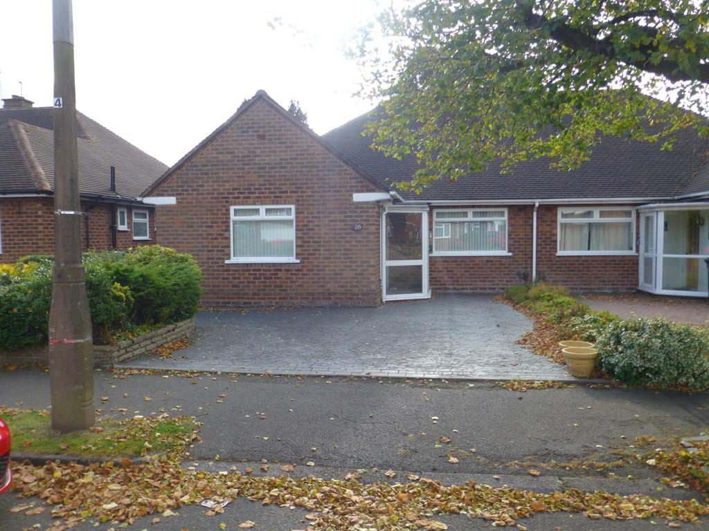 2 Bedrooms Semi Detached House for sale in Dovedale Avenue, Shirley