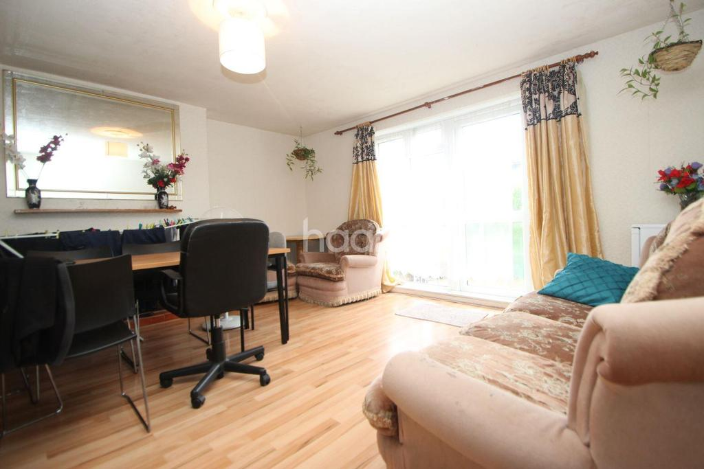 3 Bedrooms Maisonette Flat for sale in Fowler Road, London, E7
