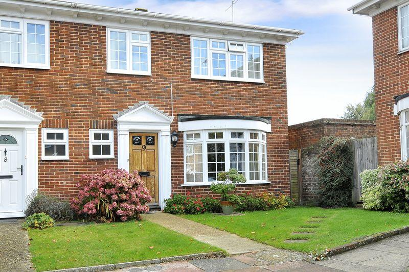 3 Bedrooms End Of Terrace House for sale in Langham Gardens, Worthing