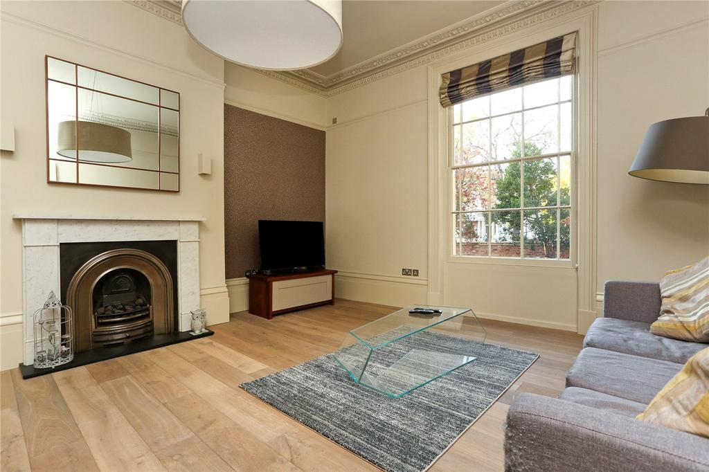 2 Bedrooms Flat for sale in Oriel Road, Cheltenham, Gloucestershire, GL50