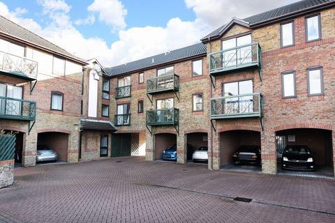2 bedroom flat for sale - Woolston, Southampton