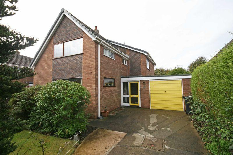 4 Bedrooms Detached House for sale in Moreton Drive, Blackpool