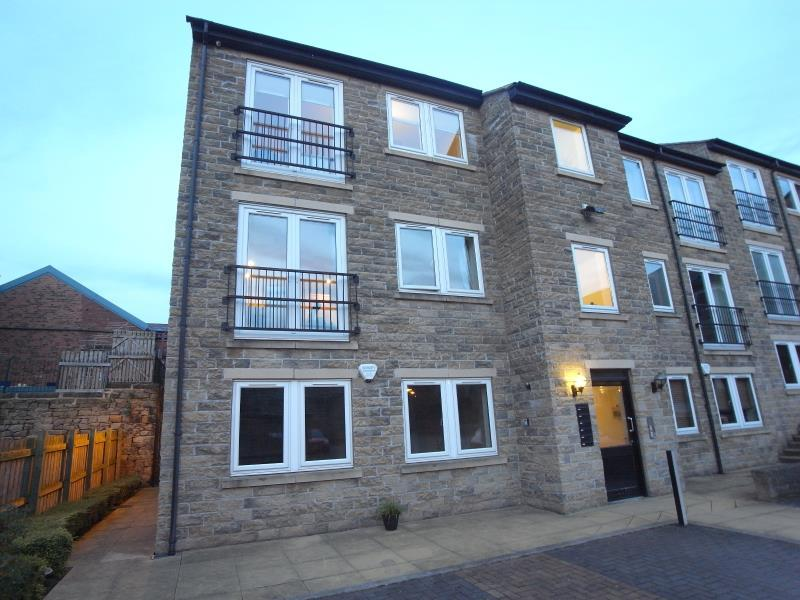 2 Bedrooms Flat for rent in TOWN SQUARE, KERRY GARTH, HORSFORTH, LEEDS, LS18 4TR