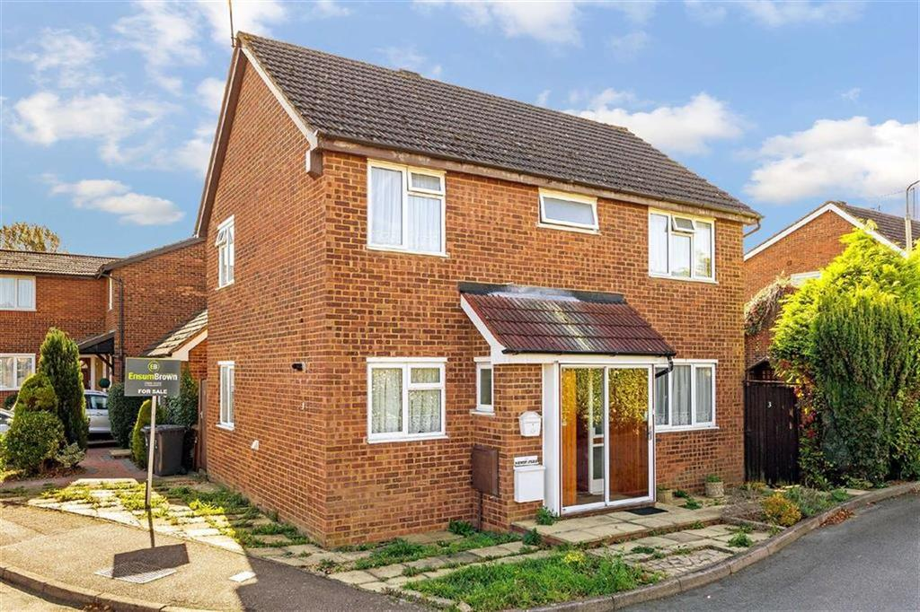 4 Bedrooms Detached House for sale in Wheatsheaf Drive, Ware, Hertfordshire, SG12