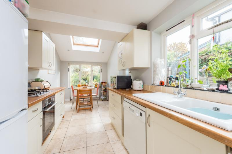 2 Bedrooms Semi Detached House for sale in Howard Street, East Oxford