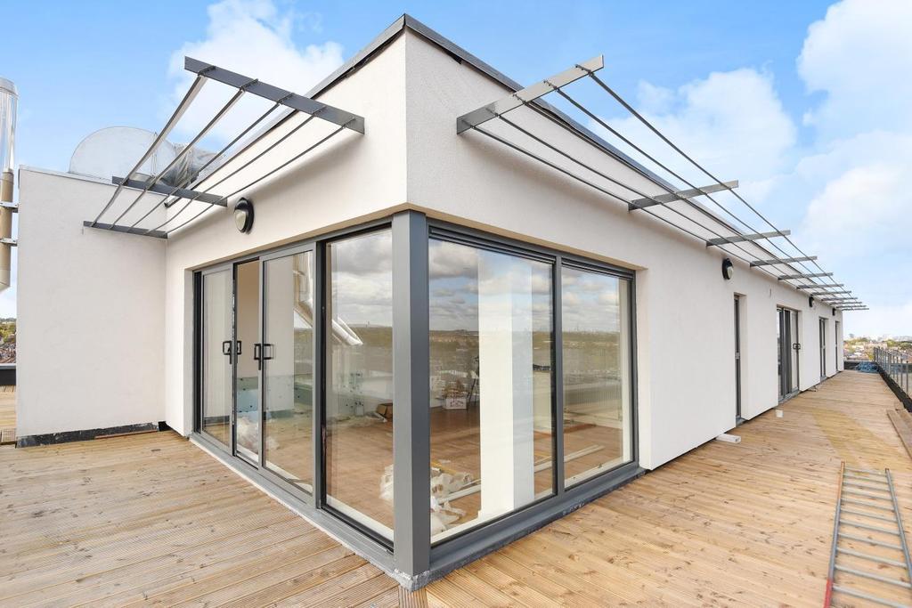 3 Bedrooms Flat for sale in Milner Road, Wimbledon, SW19