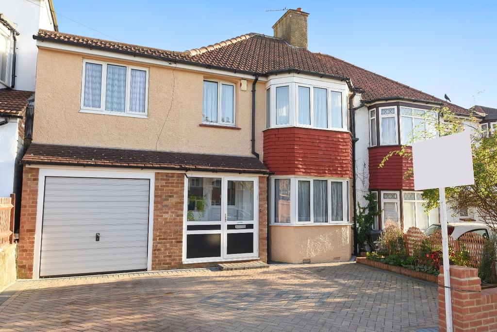 4 Bedrooms Semi Detached House for sale in Norbury Hill London SW16