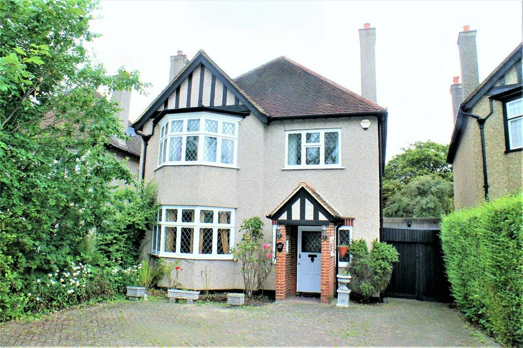4 Bedrooms Detached House for sale in Bromley Road, Beckenham
