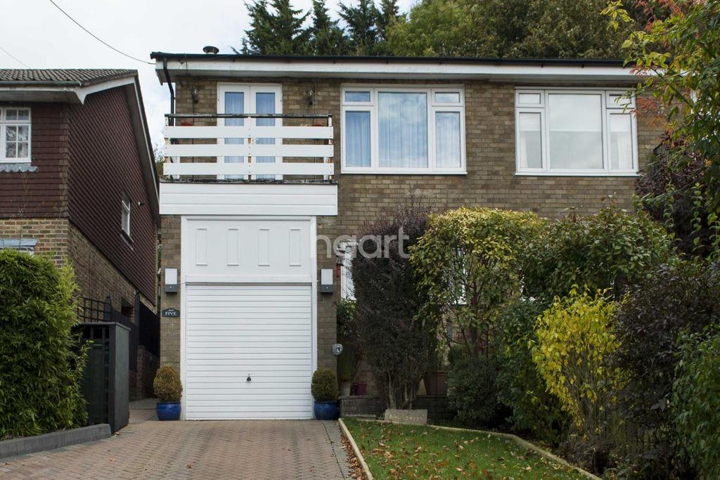 3 Bedrooms Semi Detached House for sale in Hillcrest Road, Biggin Hill
