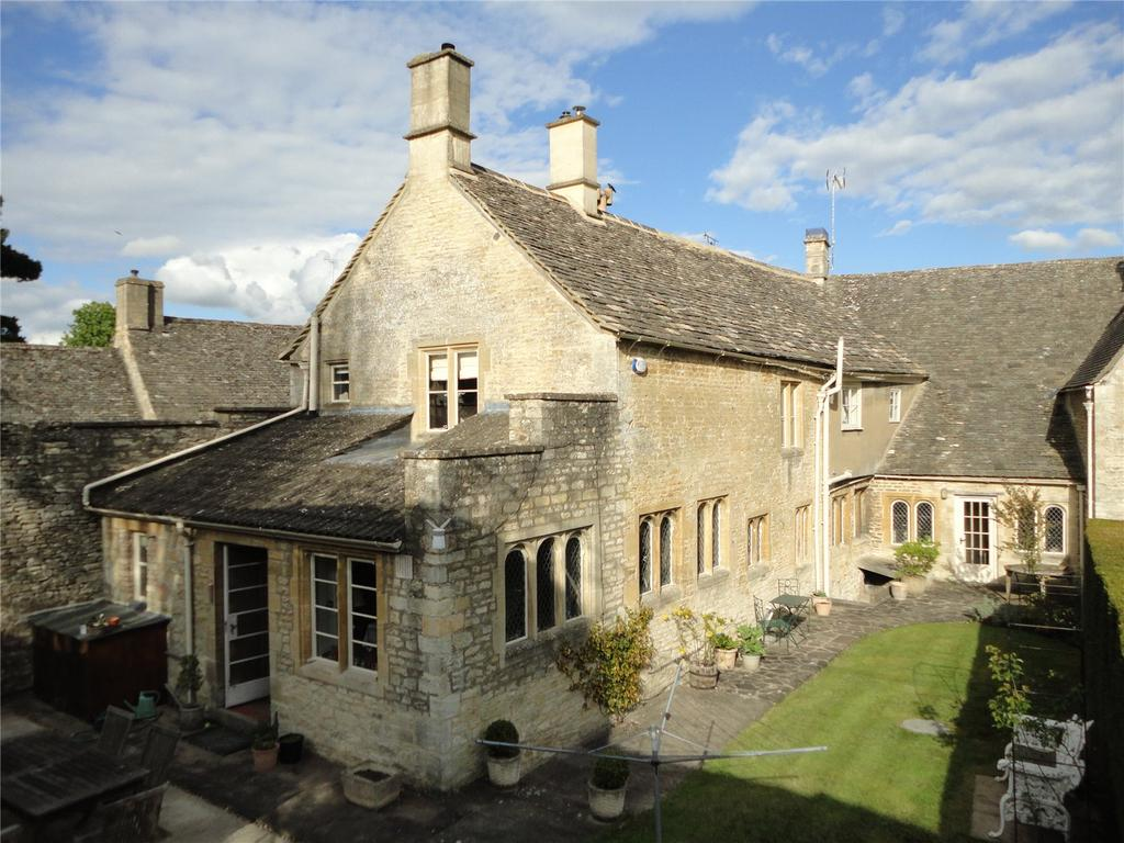 4 Bedrooms Terraced House for sale in Market Place, Northleach, Gloucestershire, GL54