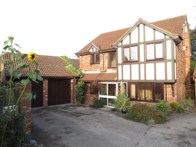 4 Bedrooms Detached House for sale in Schoolacre Rise,Streetly,Sutton Coldfield