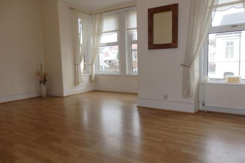 2 bedroom apartment to rent - New Road