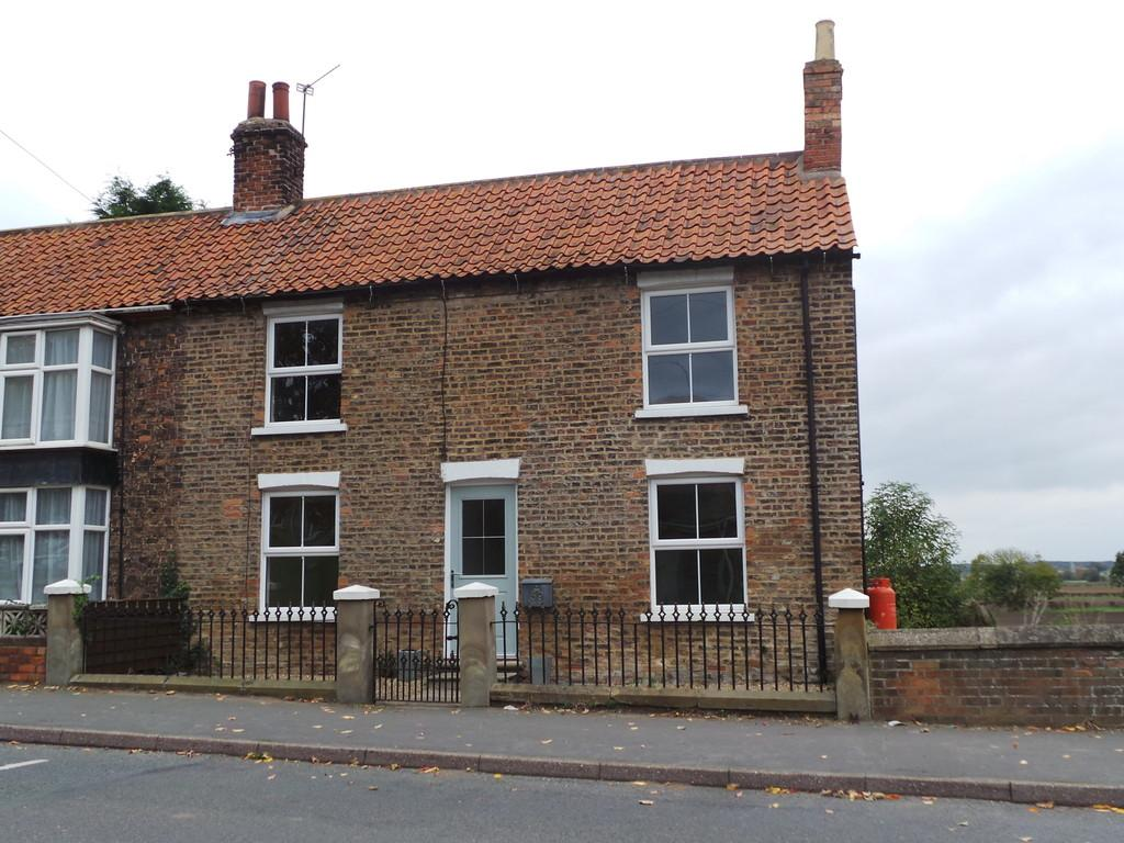 3 Bedrooms Semi Detached House for sale in High Street, Blyton, Gainsborough