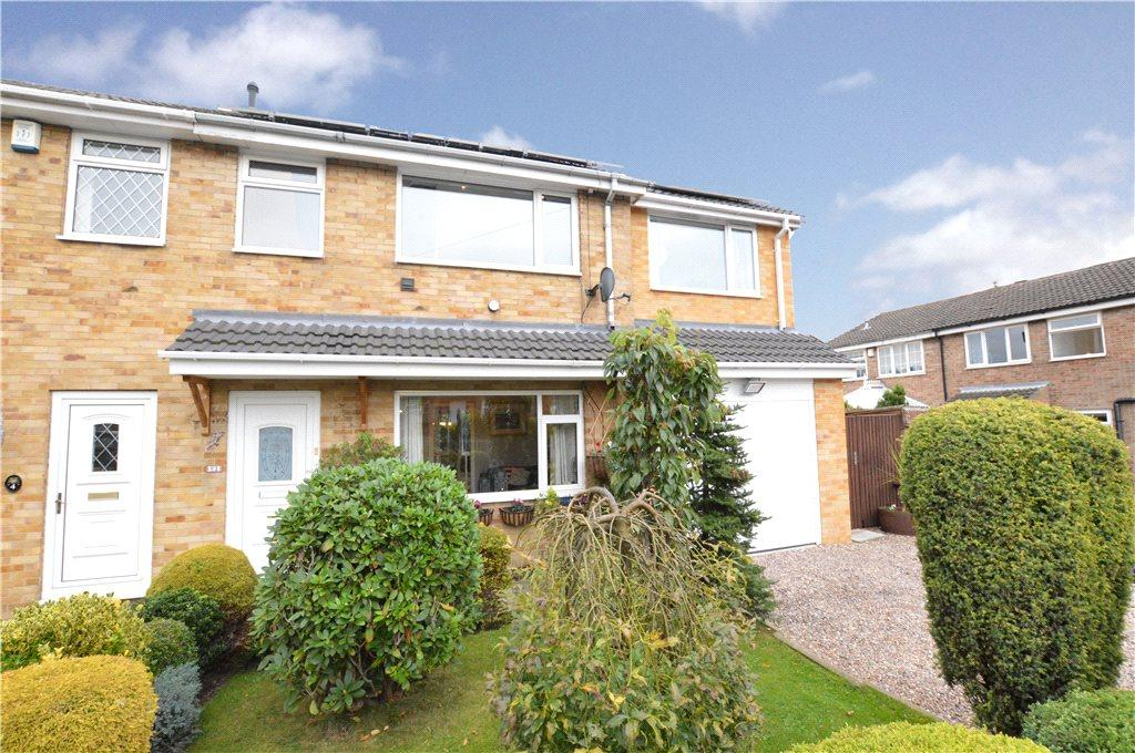 4 Bedrooms Semi Detached House for sale in Netherfield Avenue, Netherton, Wakefield, West Yorkshire
