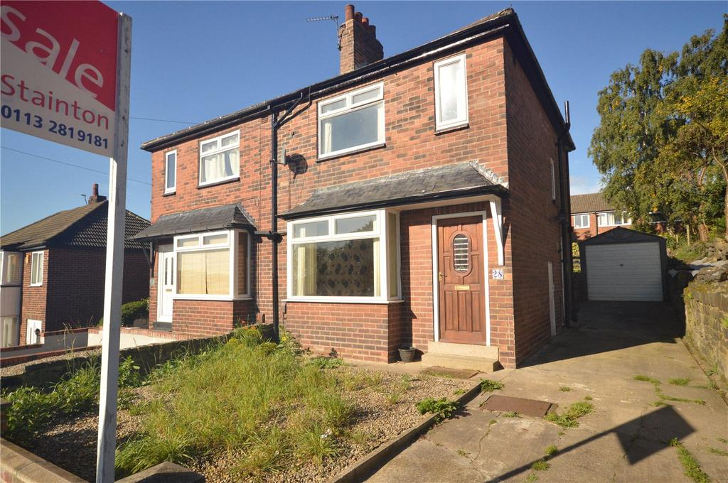 3 Bedrooms Semi Detached House for sale in Woodhall Drive, Kirkstall, Leeds