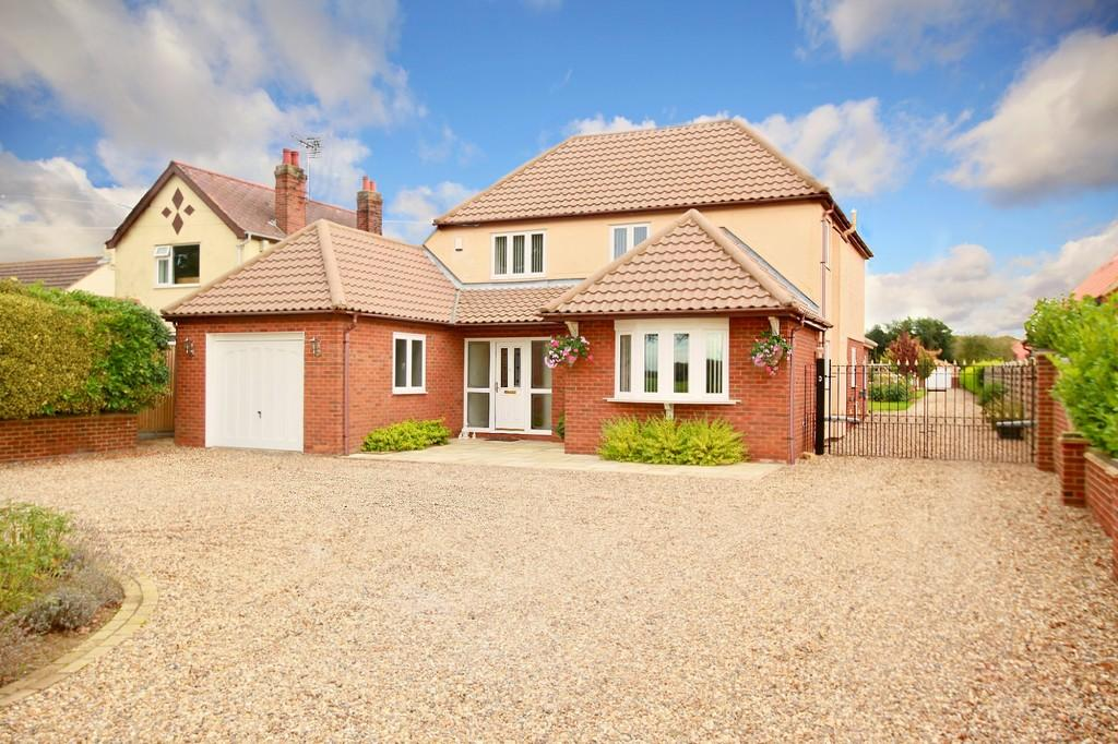 4 Bedrooms Detached House for sale in Grimston Lane, Trimley St. Martin