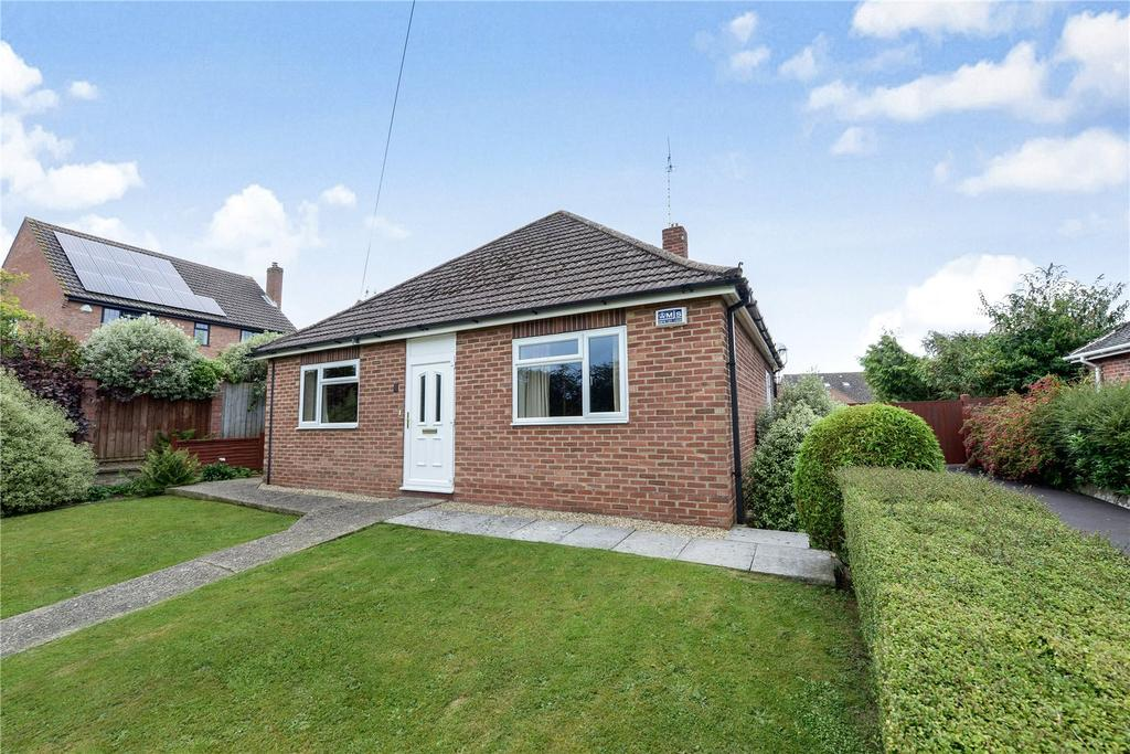2 Bedrooms Bungalow for sale in Thorne Lane, Yeovil, Somerset, BA21