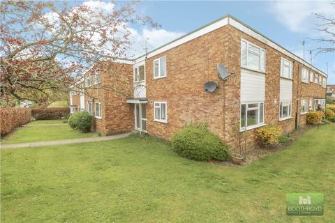 2 bedroom flat to rent - Whateleys Drive, Kenilworth