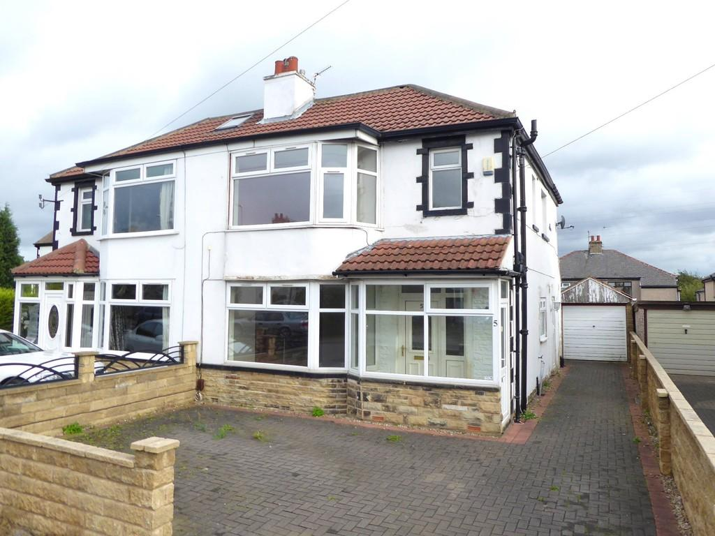 3 Bedrooms Semi Detached House for sale in Ederoyd Grove, Pudsey