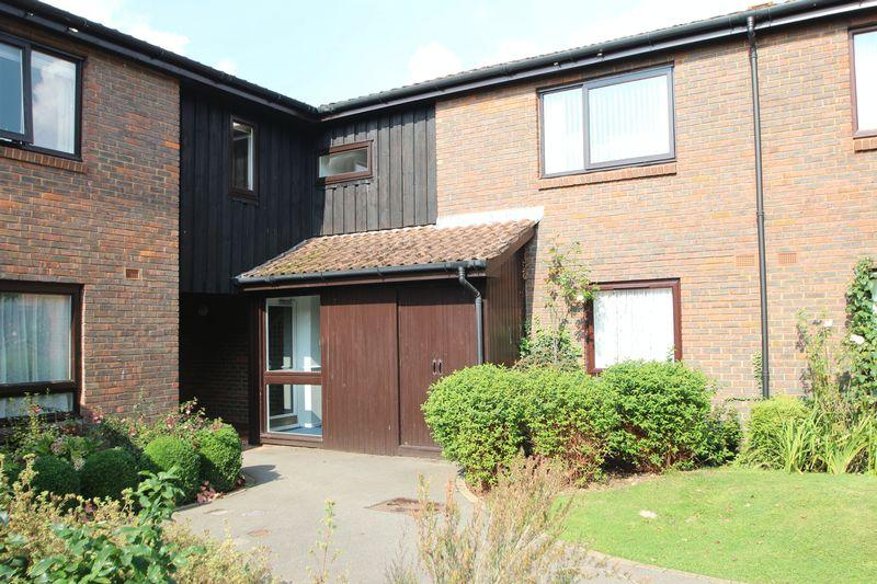 1 Bedroom Retirement Property for sale in Loxford Court, Elmbridge Village, Cranleigh
