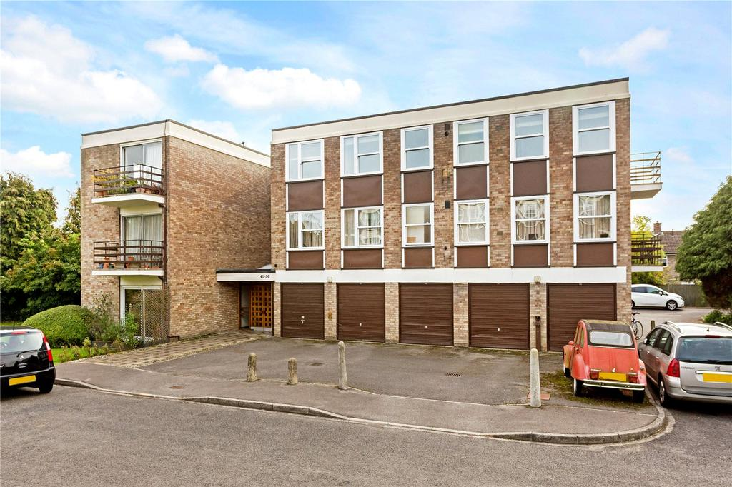 2 Bedrooms Flat for sale in Park Close, Oxford, OX2