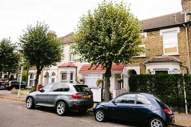 3 Bedrooms House for sale in Mathews Park Avenue, Stratford