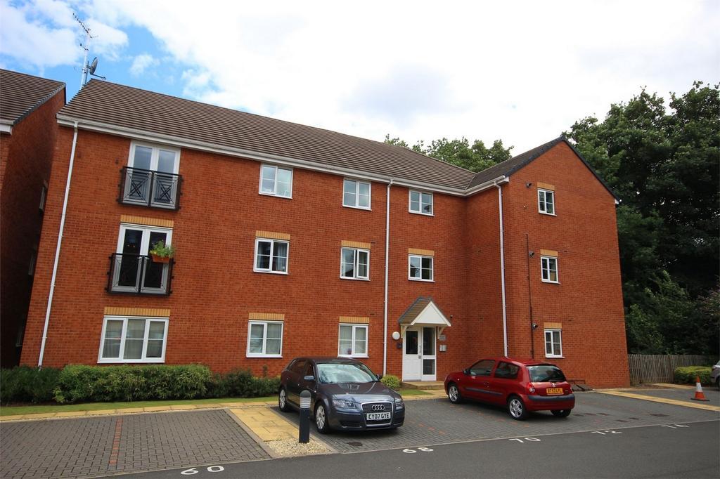 2 Bedrooms Flat for sale in 90 Century Way, HALESOWEN, West Midlands