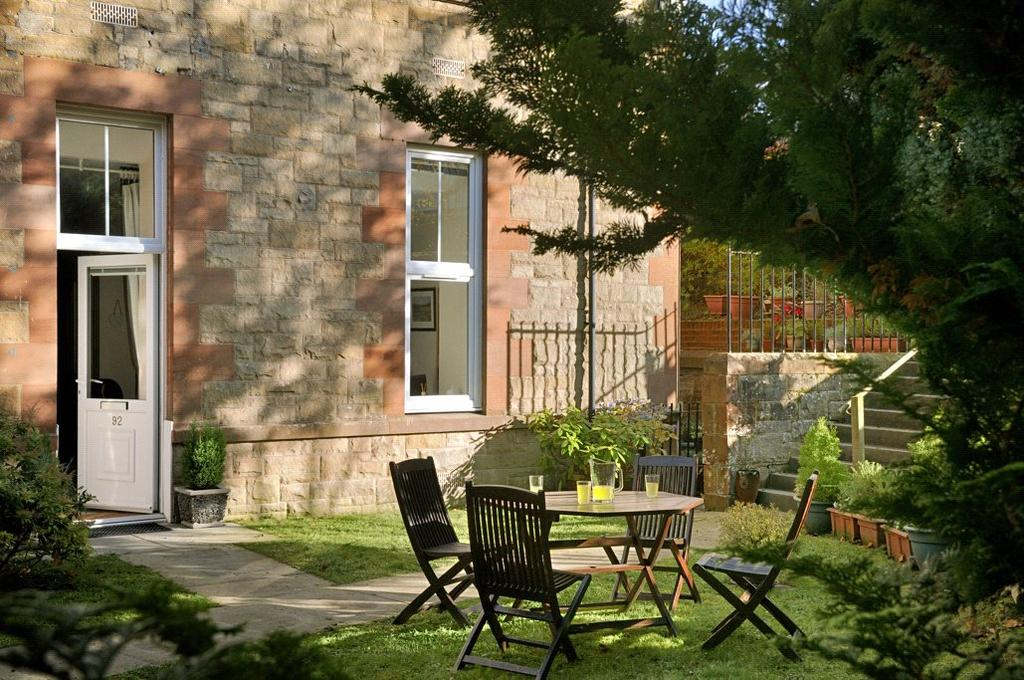 2 Bedrooms Apartment Flat for sale in Dingleton Apartments, Chiefswood Road, Melrose, Scottish Borders