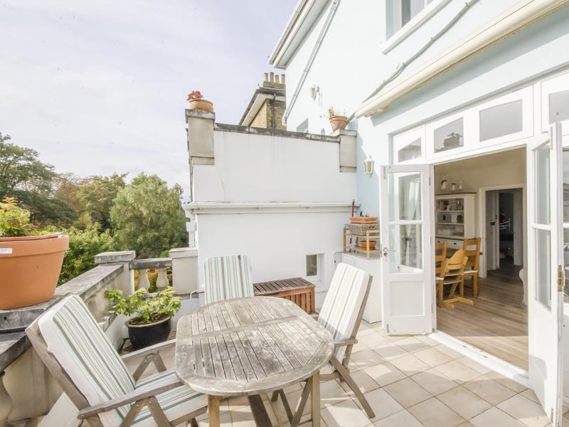 2 Bedrooms Flat for sale in Ashley Road , N19