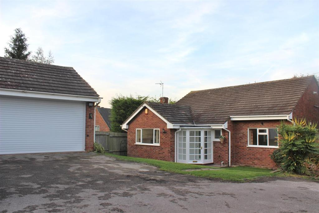 3 Bedrooms Detached Bungalow for sale in St. Davids Road, Clifton Campville, Tamworth