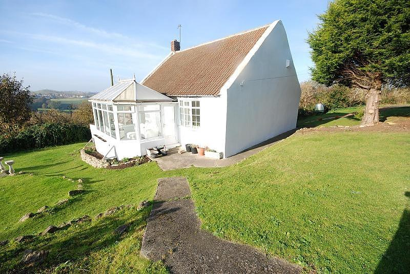 2 Bedrooms Cottage House for sale in Rock Cottage Farm, Tunstall
