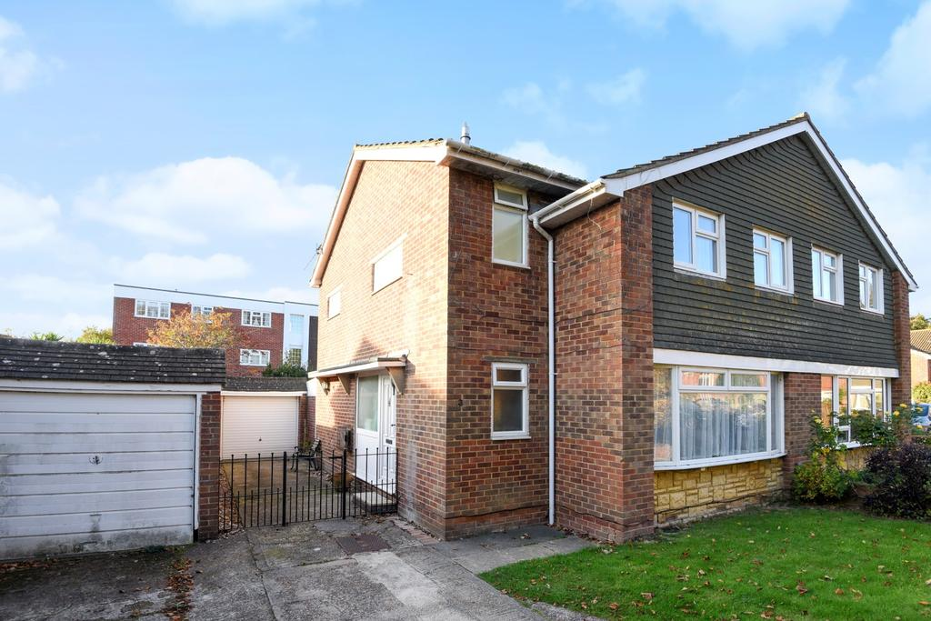 4 Bedrooms Semi Detached House for sale in Old Timbers, Hayling Island, PO11