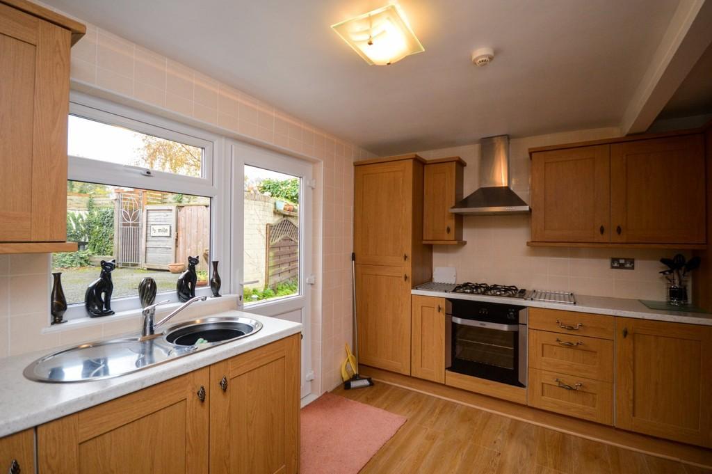 2 Bedrooms Ground Flat for sale in Hampton Way, Llanfaes, North Wales