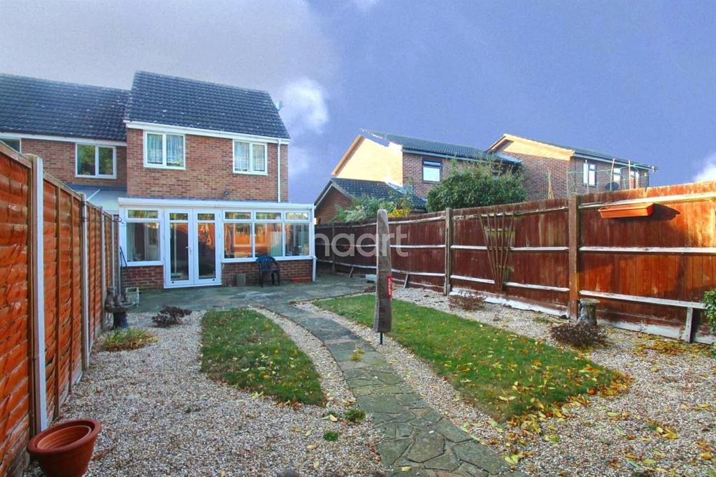 3 Bedrooms Semi Detached House for sale in Madeline Place, Chelmsford