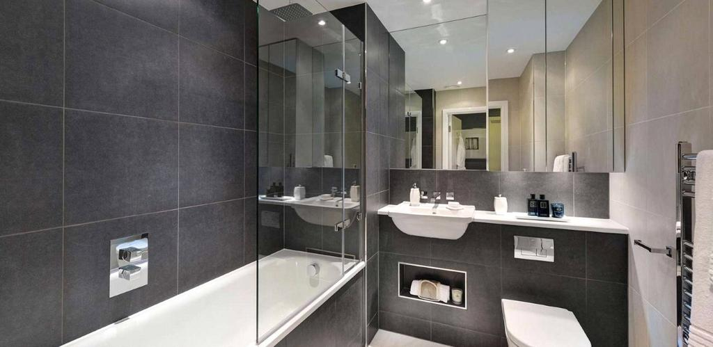2 Bedrooms Flat for sale in Pinnacle Apartments, Saffron Central Square, Croydon