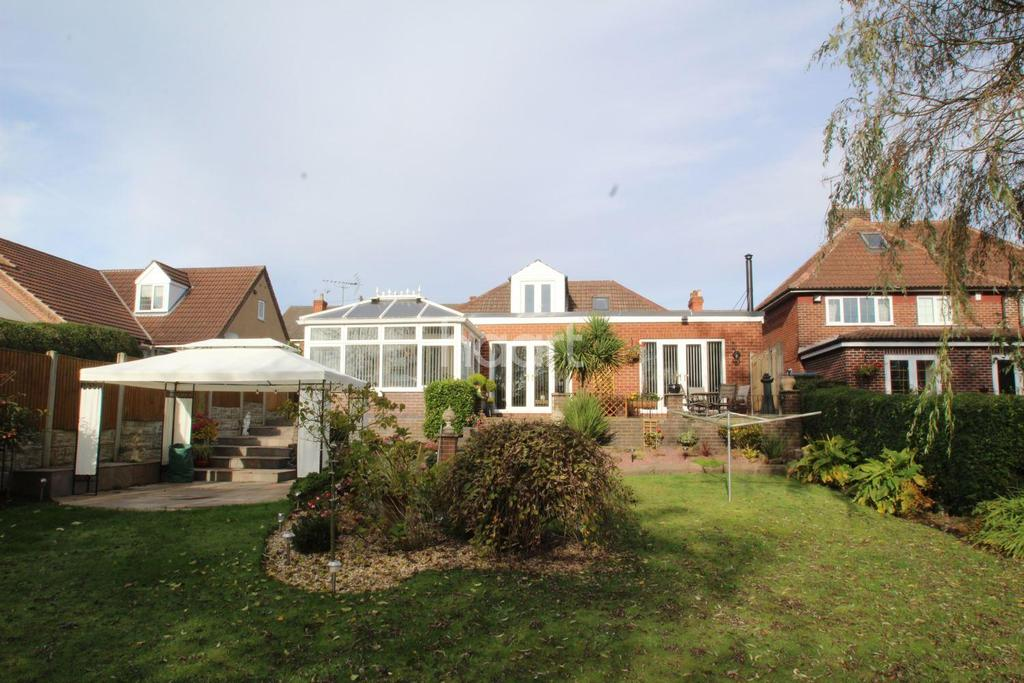 3 Bedrooms Detached House for sale in Forest road, Kirkby In Ashfield