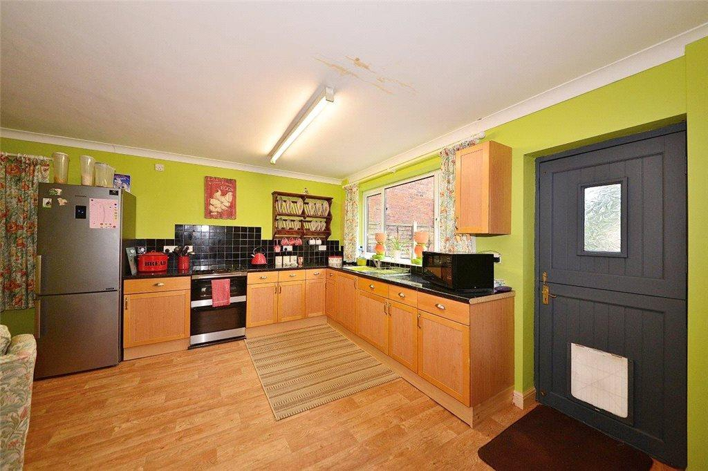 3 Bedrooms Detached House for sale in Vine Street, Kidderminster, DY10