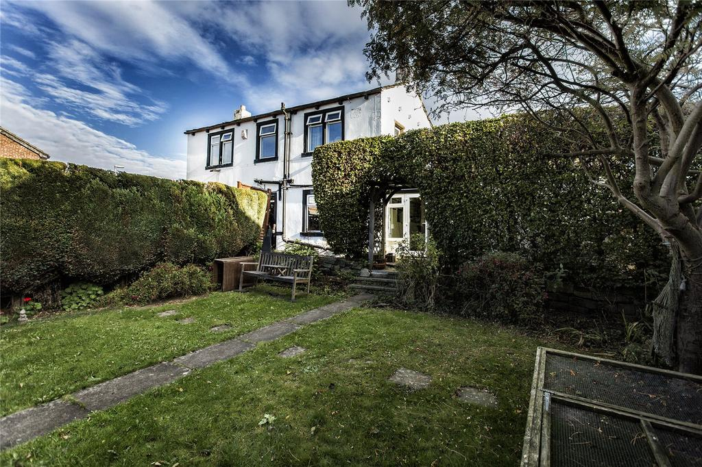 3 Bedrooms Detached House for sale in Wellhouse Lane, Mirfield, West Yorkshire, WF14