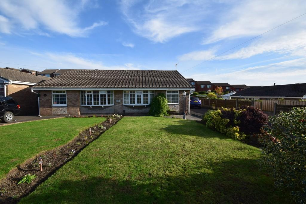 2 Bedrooms Semi Detached Bungalow for sale in Sherwin Way, Castleton