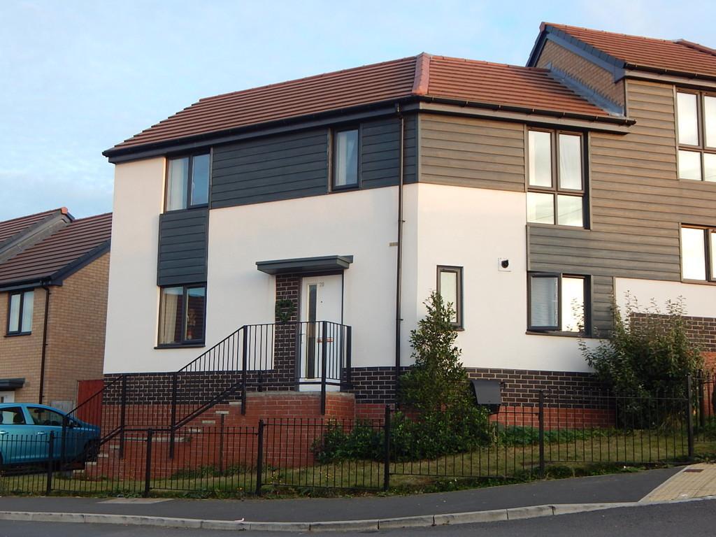 3 Bedrooms Semi Detached House for sale in Edlington, Doncaster